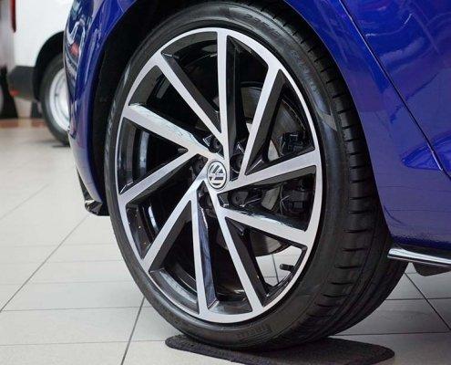 Volkswagen Golf R Wheels and Brakes