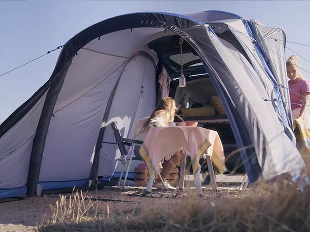 Caddy California with connected tent